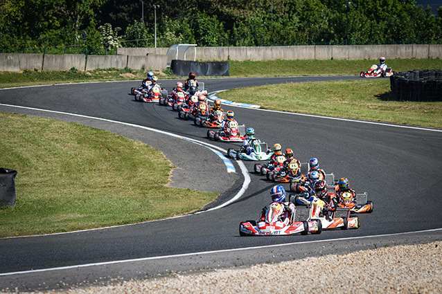 MEDIASUPERKART - KZ Long-Circuit was being played twice the